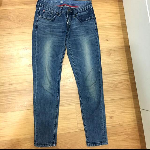 Levi's 九分牛仔褲 #三百元牛仔
