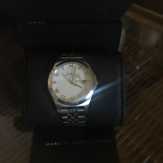 MARC JACOBS SILVER WATCH NEVER WORN