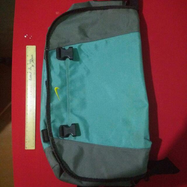 Nike Messenger Gym Bag
