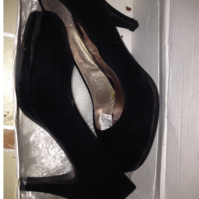 Shoes/sandals/heels black 2inch