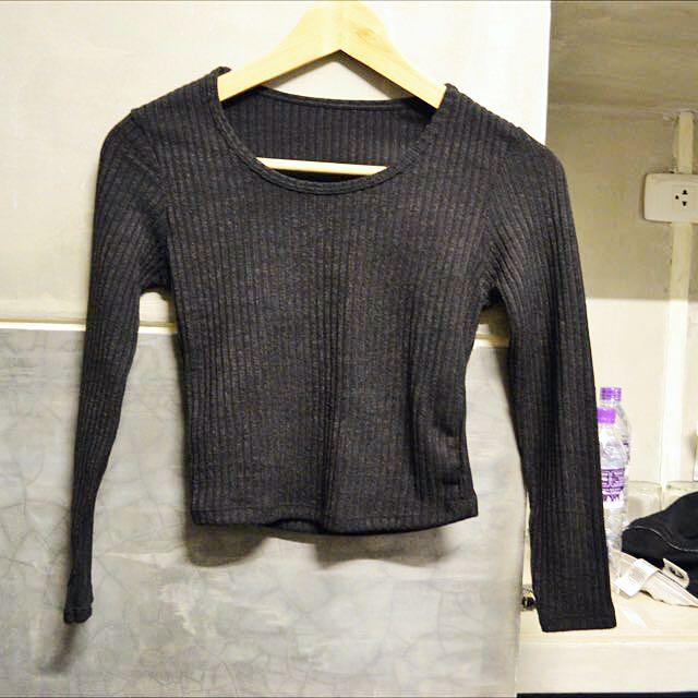 Thin Knit Black Crop Top