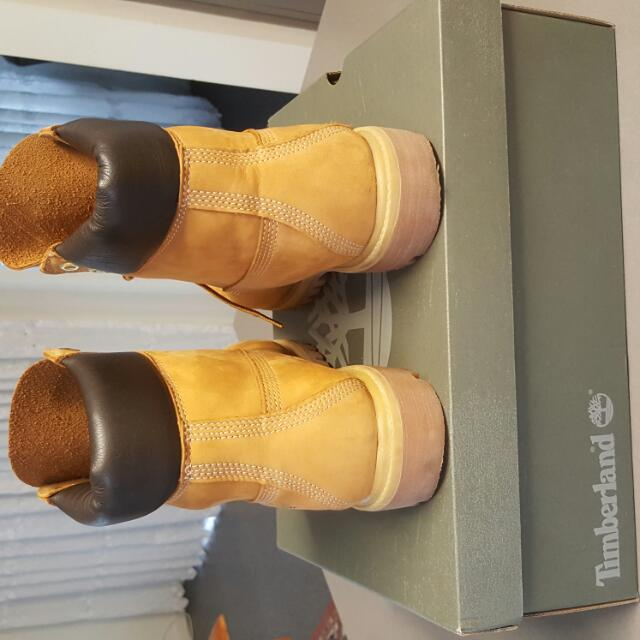 Timberland Boots ( Water Proof ) Brand New Size 7uk I Bought It For 350.00 Dollars  I Want To Sell It for 250.00 Dollars Or Make It Offer Come With The Original box