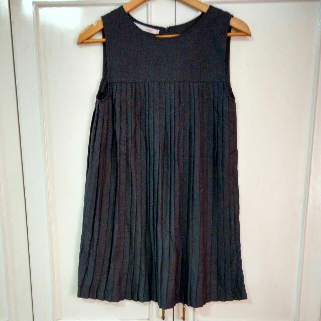 Tomato Gray Pleated Swing Dress