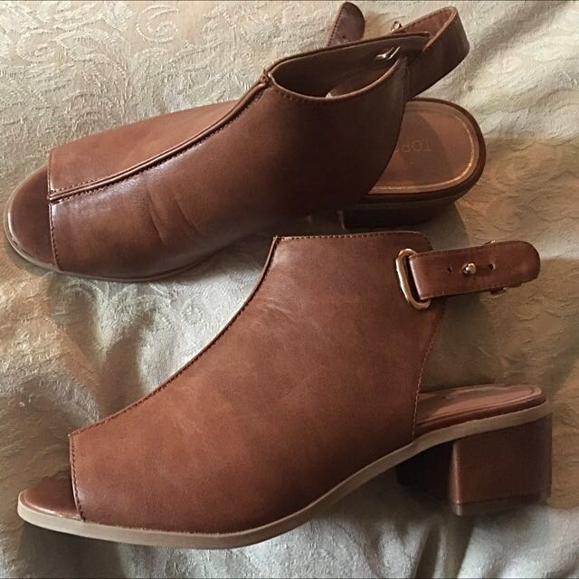 Topshop Size 9 Leather Tan Shoes