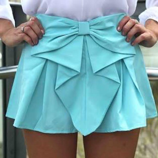 Turquoise bow shorts