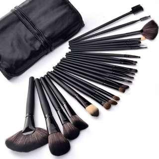 Make Up Brush Set 24 Pcs