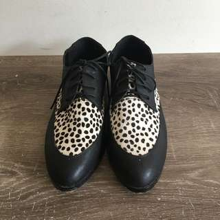 Dangerfield Brogue Style Shoes. SIZE: 40