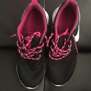 Black And Pink Roshe
