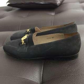 Sepatu Elle Paris Asli Size 38-39