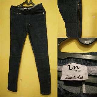 Celana Jeans Luna Maya