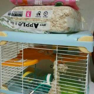 🚚 鼠鼠的窩~加送飼料及防臭木屑,自取價120元