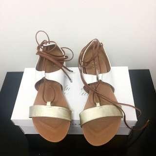 Human Premium Wilma Sandals