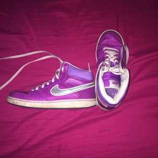 Nike Shoes Size 5 Kids
