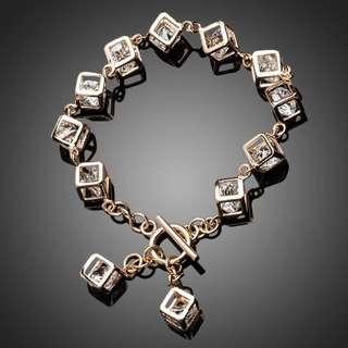 SWA ELEMENTS Austrian Crystal 12pcs Cube Charm Bracelet