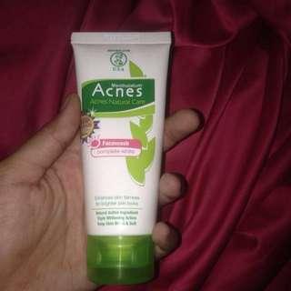 acnes facewash complete white
