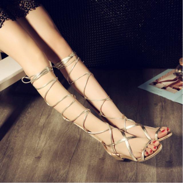 金色平底羅馬綁帶涼鞋