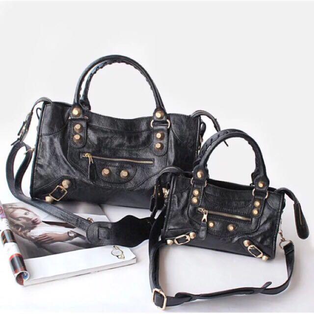 6d55655bbe02e black balen bag Cloxvox