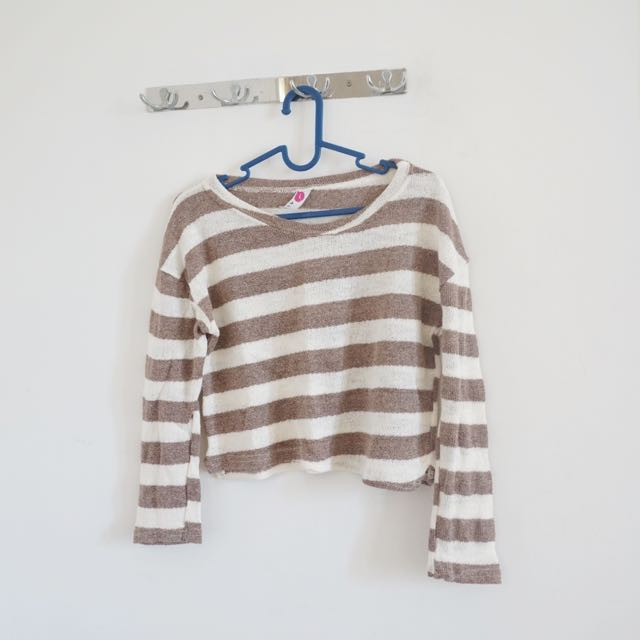 Crop Top Sweater Rajut Korea