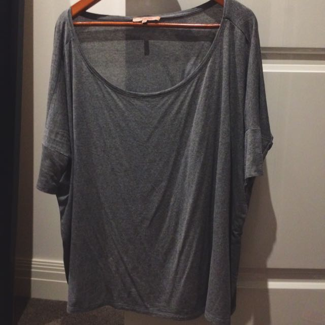Cute Grey Bat Sleeve Tshirt From Bershka Medium