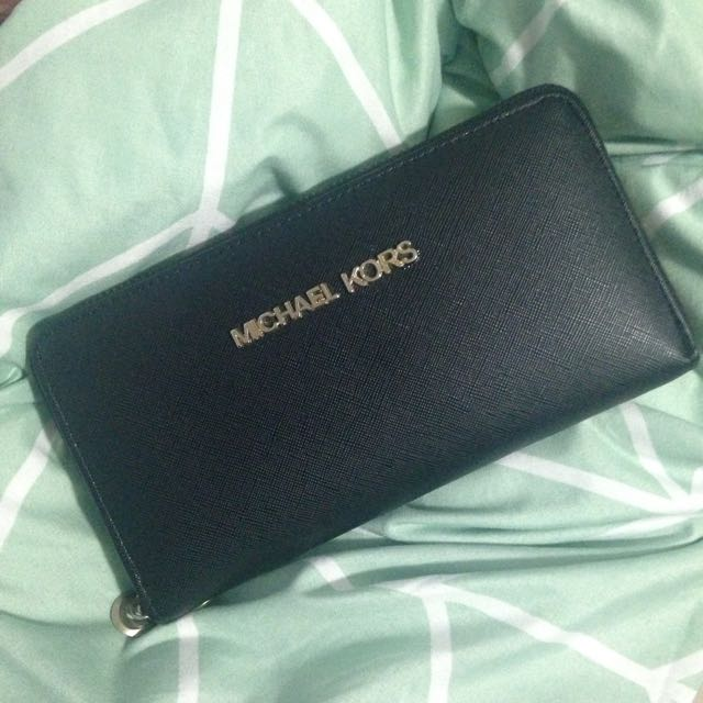 Fake Michael Kors Wallet/Clutch