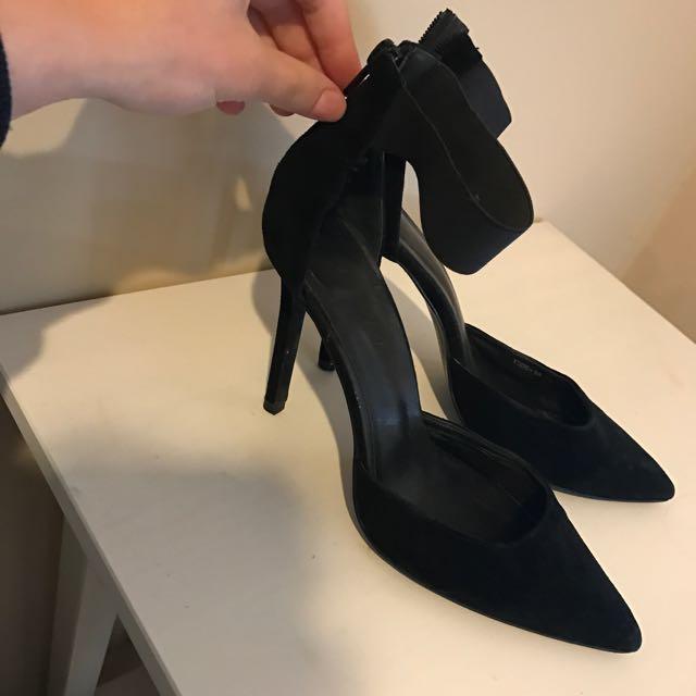 Jo Mercer Heels