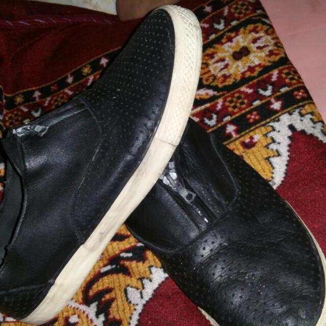 Korea Shoes 9.5