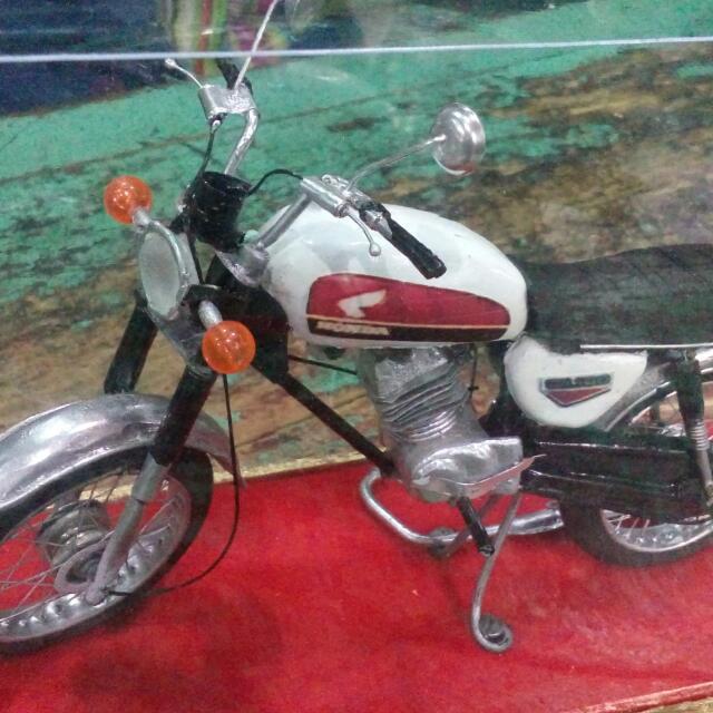 Miniatur Motor Honda Cb