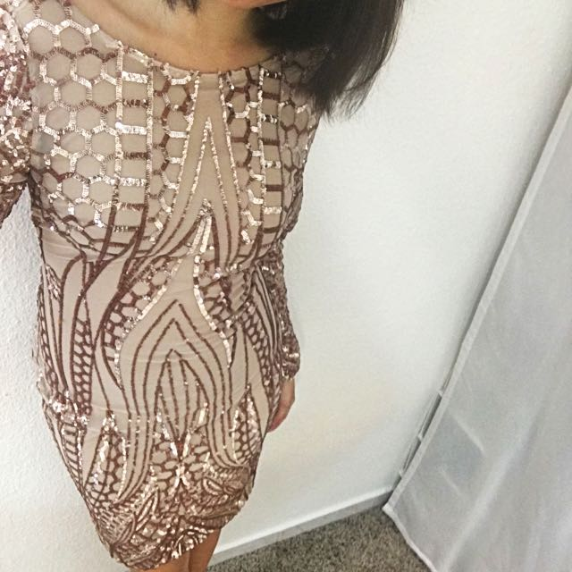 08818297 Nude Rose Gold Sequins Long Sleeves Beige Pink Backless Low Back ...