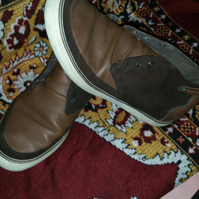 Original Lacoste Shoes U.s. 9.5