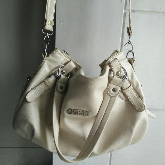 Preloved Guess Broken White Medium Size