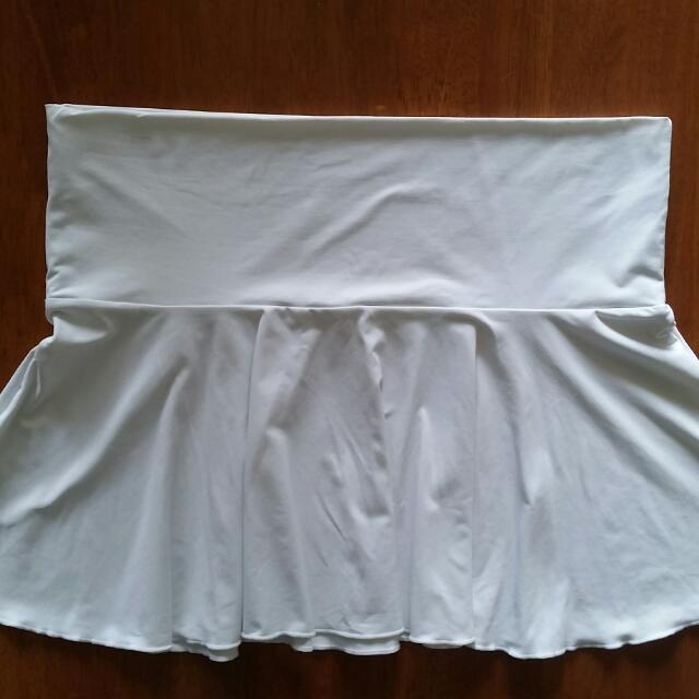 White Mini Swim/Dance skirt, size medium