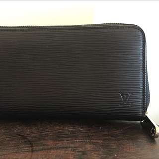 Authentic Louis Vuitton Zippy Wallet Black Epi Leather