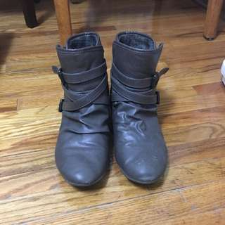 *Price Reduced* Call It Spring Boots Size 7