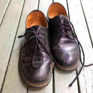 [ON HOLD] Dr Marten Shoes Size 5/38