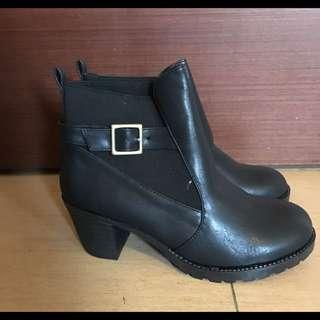 黑軍靴 高跟 23.5