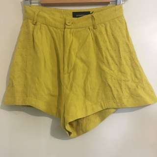 MINKPINK XS Shorts With Gold Detail