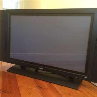 """Soniq 42"""" Plasma TV"""