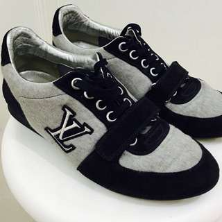Louis Vuitton Mens Sneakers Size 5