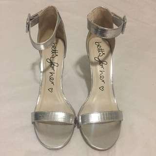 Women's Silver Heels Sz 8