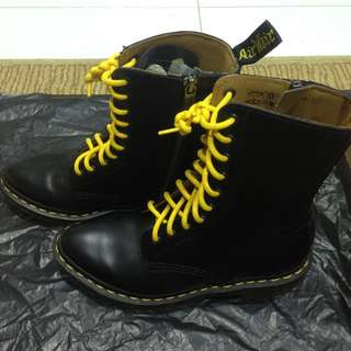 Alix Dr martens pointed boots