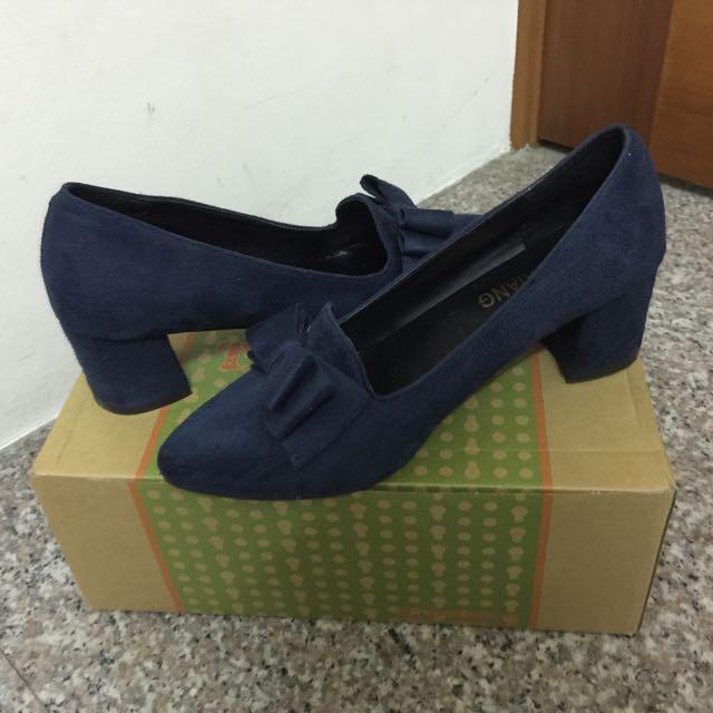 麂皮粗跟蝴蝶結🎀跟鞋(深藍色24號)