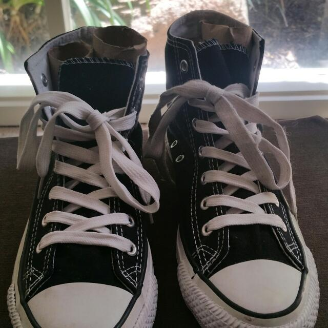 Black Sneakers Size 7