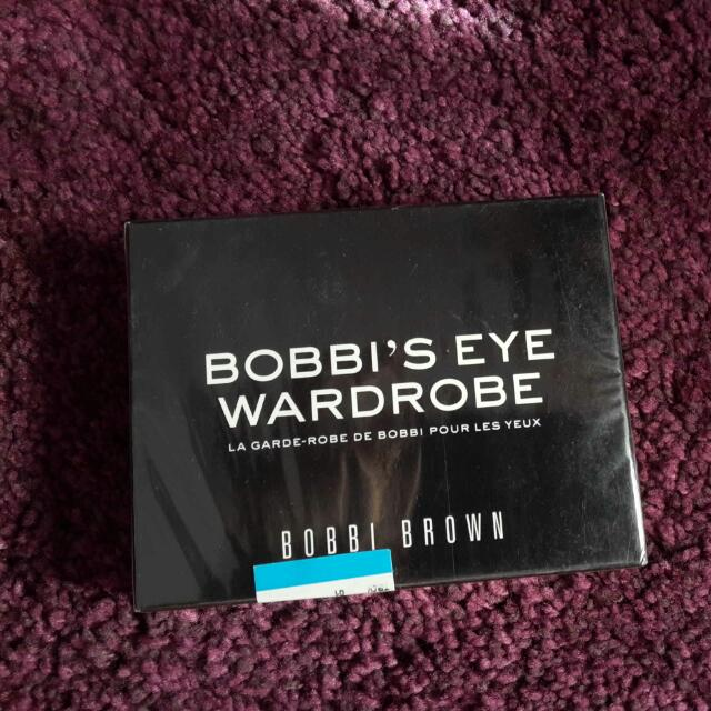 Bobbi ' s Brown Eye Wardrobe