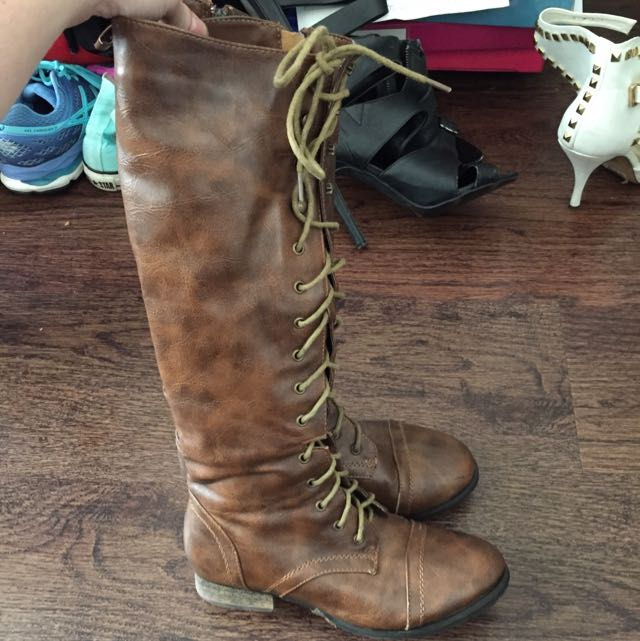 Brown Lace Up Boots!