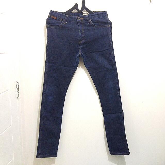 Celana Jeans Wrangler Original Warna Blue Navy Ukuran 29 (Skinny Fit)