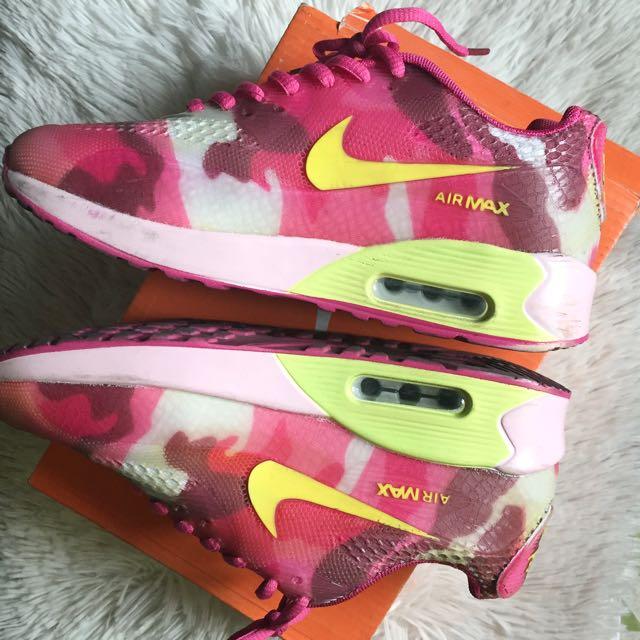 Class A Nike Airmax