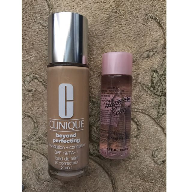 CLINIQUE (Foundation + Concealer) with FREE mascara remover