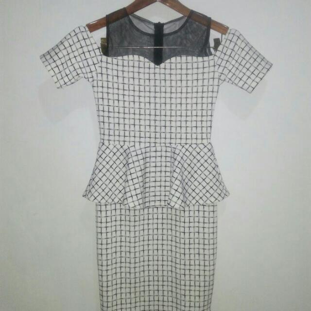 Dress Peplum Tartan