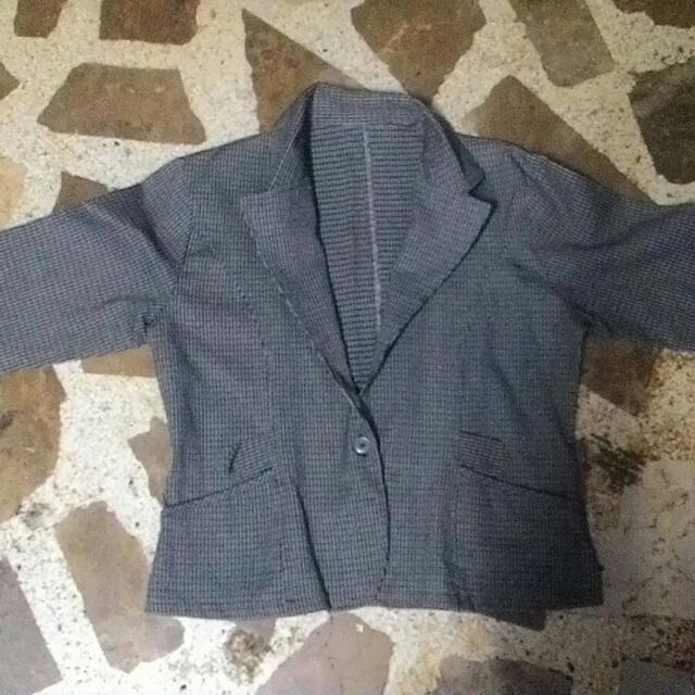 Pre-loved long sleeve (coat)