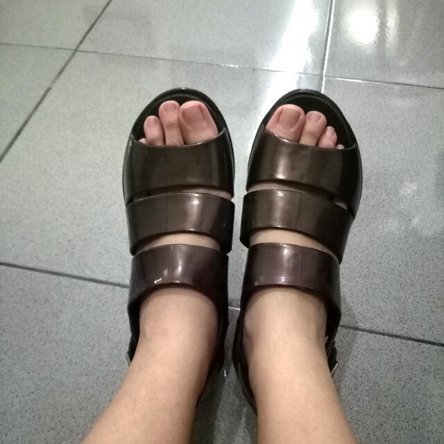 Sepatu Gladiator